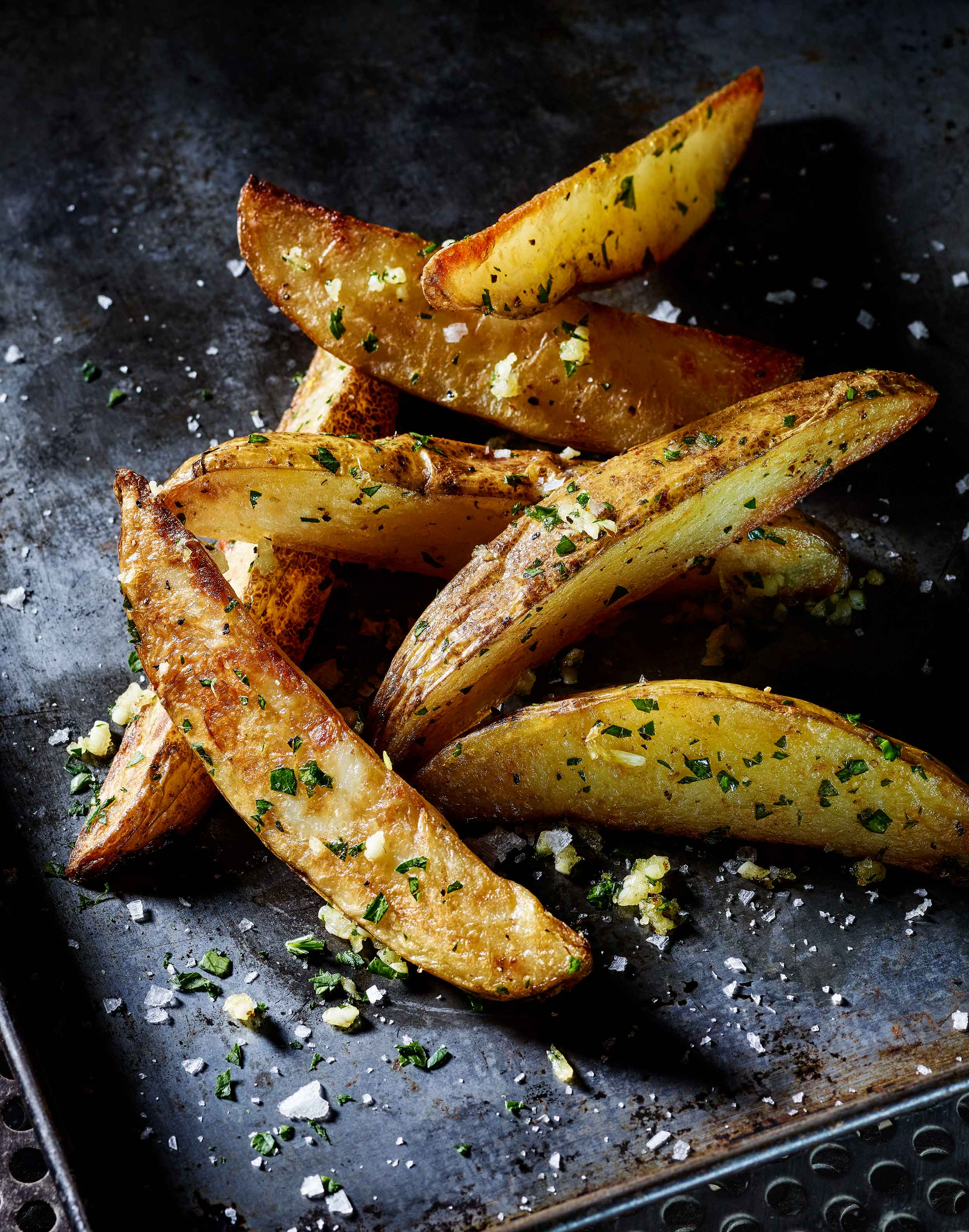 Baked Potato Wedges with Fresh Garlic and Parsley